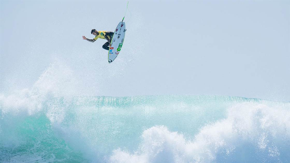 Medina, soaring on his way to claiming his third World Title. Photo: WSL